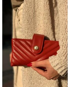 Nina Kırmızı