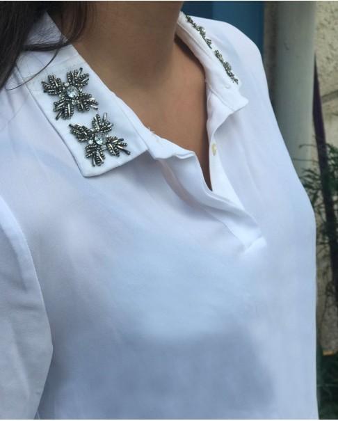 Yaka Detaylı Beyaz Gömlek