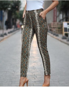 Yılan Derisi Desenli Pantolon